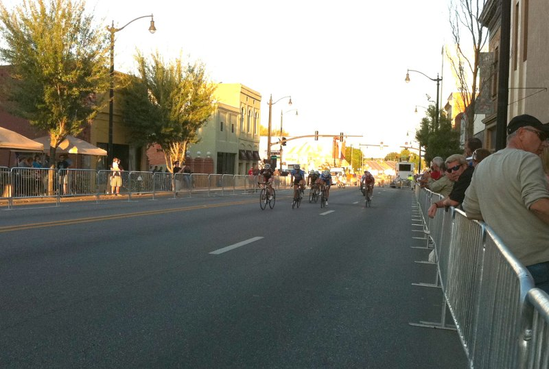 The women pro/1/2/3 field sprint