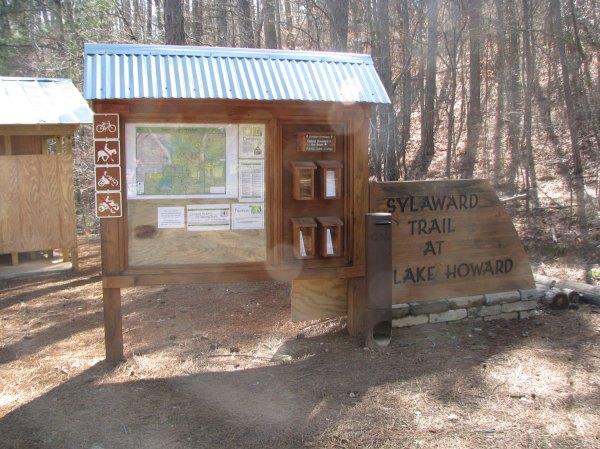 Sylaward Trail at Lake Howard - informational signs and map