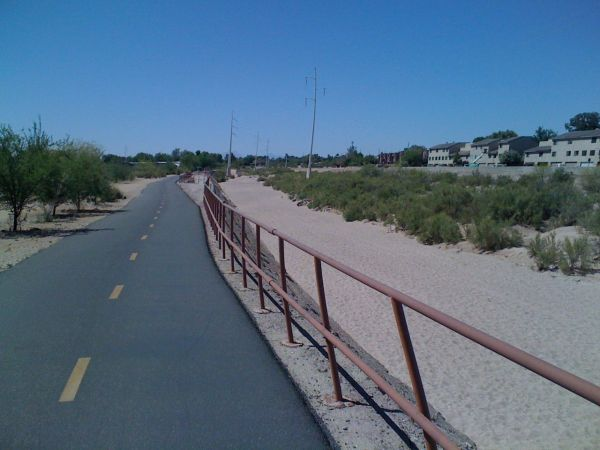 Riding along the Rillito River bikepath on the way out to Mt Lemmon