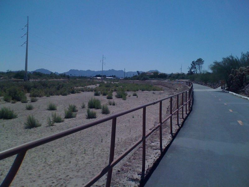 Returning back to the car along the Rillito River bikepath