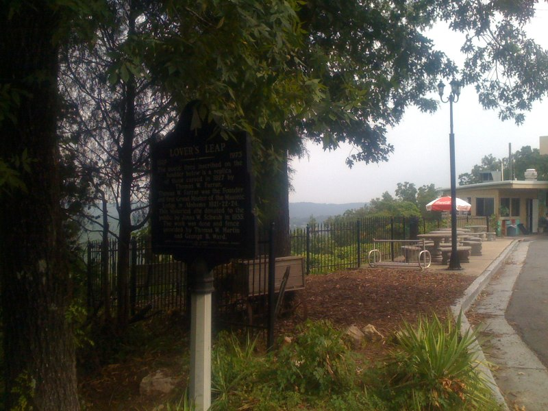 Lover's leap historical sign plus the Tip Top cafe