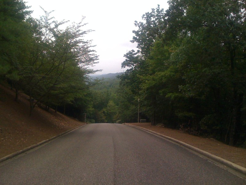 View from Greystone Crest looking along the Hugh Daniel / Highland Lakes ridge line towards Oak Mountain