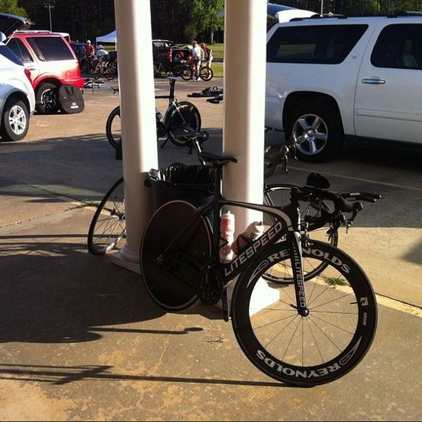 This was my setup for the time trial - disc wheel, reynolds 66 front wheel, clip-on tt bars