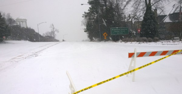 Tues, 1/28 @ 1:41PM - hwy 31 closed.  When I make it across the top of Shades Crest, I notice that Vestavia has closed off the 1.1 mile Hwy 31 descent.